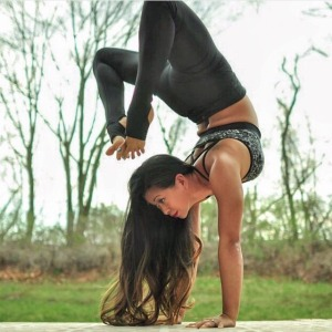 LAURA SYKORA, Yoga, Acrovinyasa, and SUP Yoga Teacher www.laurasykora.com, Instagram @laurasykora