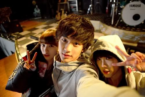 Suzy, Kim Soo Hyun and IU on the set of Dream High
