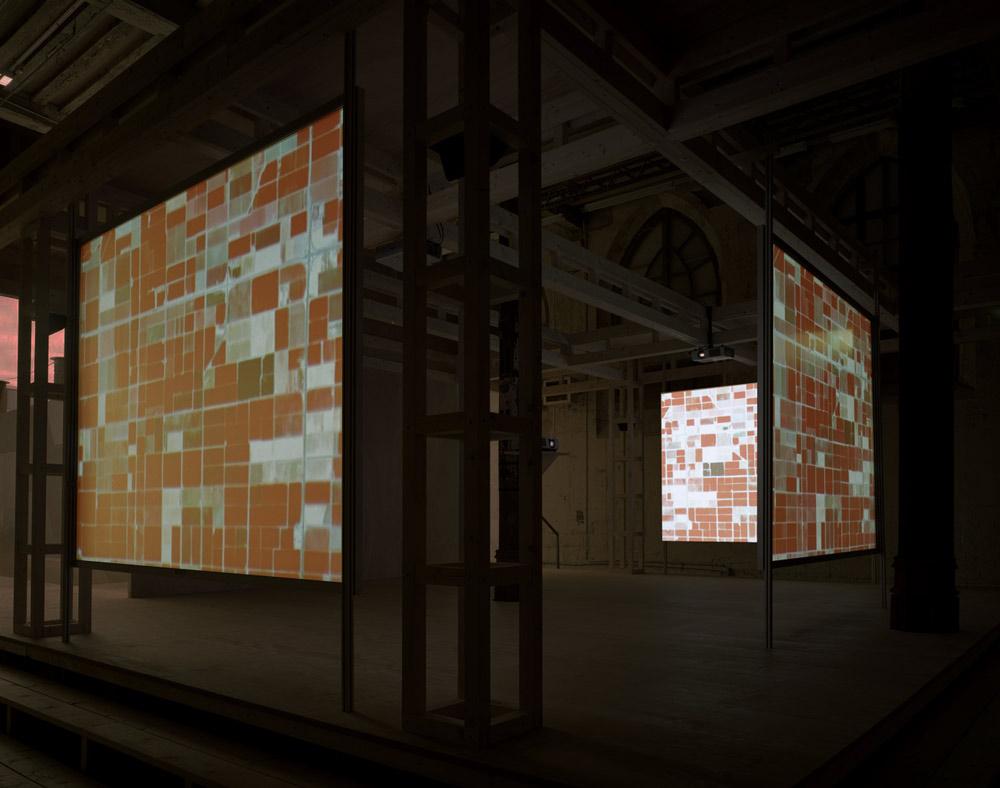 Doug-Aitken-glass-era-008.jpg