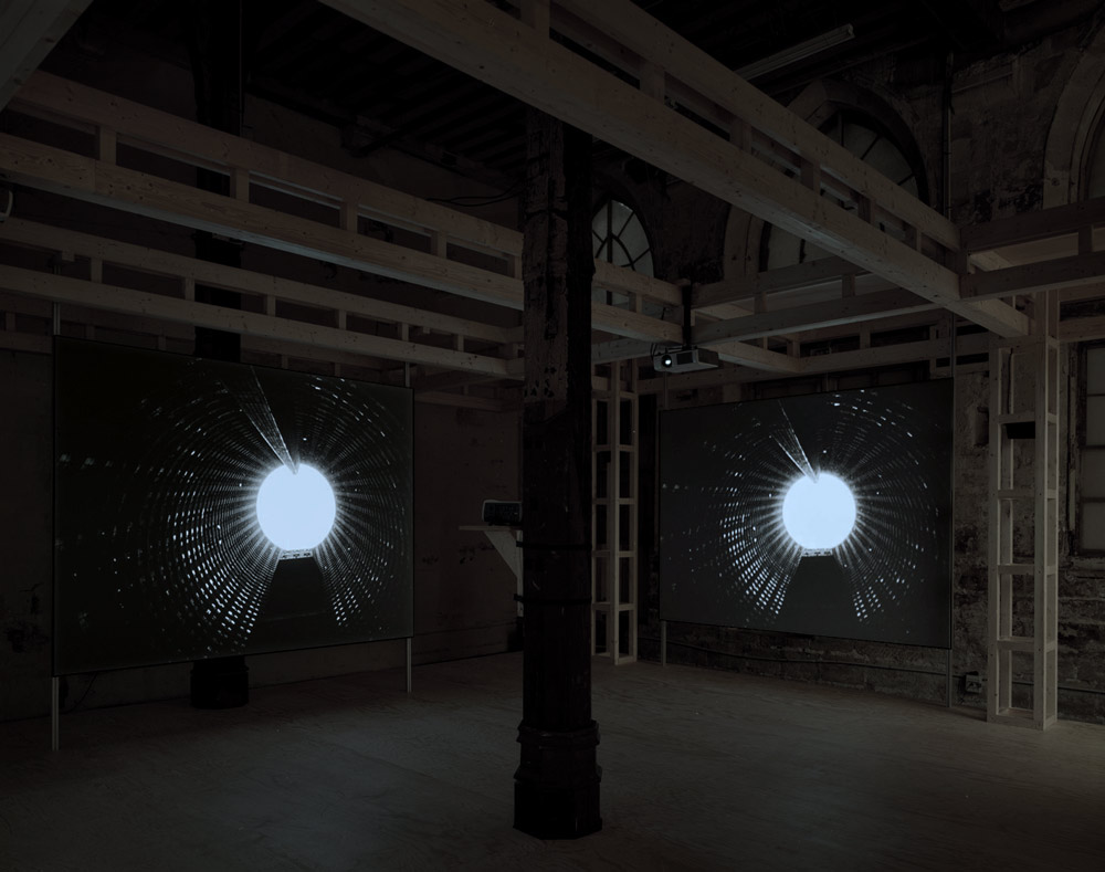Doug-Aitken-glass-era-007.jpg