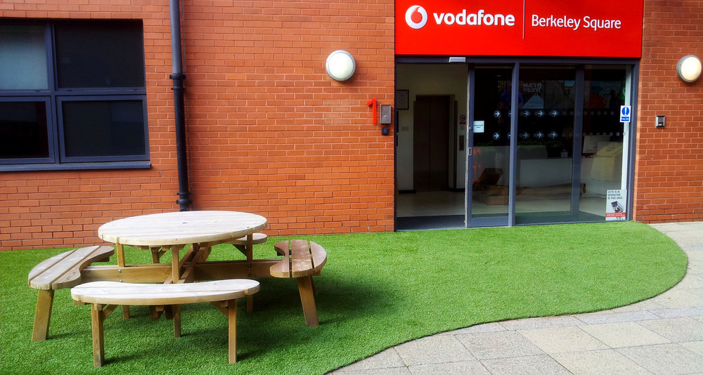 Artificial-Display-Turf-Vodaphone-Berkeley-Square1.jpg