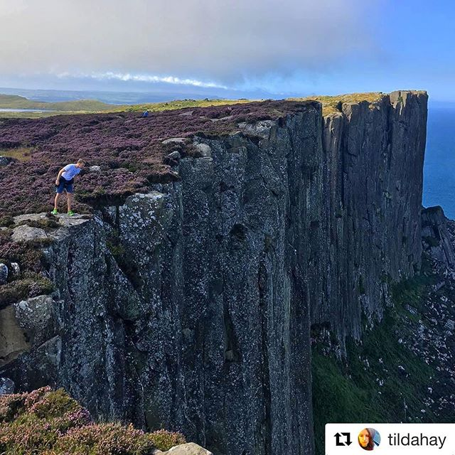 This week's guests went to check out Fair Head, 600ft of sheer cliff just a few miles east of #bathlodge. Thanks to @tildahay for the awesome shot  #bathlodgers #ballycastle #antrimcoast #fairhead #glensofantrim #heather #nature #discoverireland #loveireland #instaireland #getoutside #goexplore #staycation #iphoneonly #nofilter