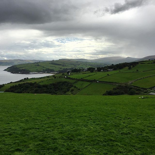 Up today it's the beautiful #glensofantrim looking dramatic in some showery weather. The new cycle route 93 is an epic trail for any keen road cyclists. Why not come be a #bathlodger and check it out?  #roadies #cycling #cyclenorthernireland #antrimcoastandglens #costadelcauseway #discoverireland #loveireland #emeraldisle #🍀 #nature #wilderness #nofilter #iphoneonly