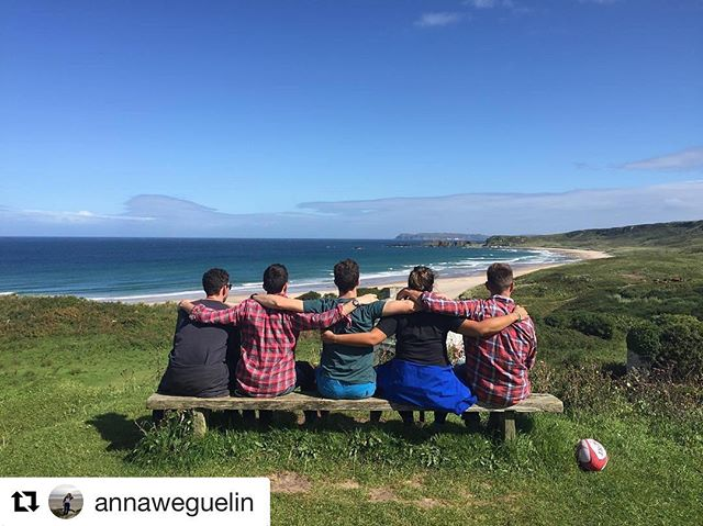 This week's guests celebrate their final day exploring the #causewaycoast  #bathlodgers #whiteparkbay #costadelcauseway #countyantrim #antrimcoast #visitireland #discoverireland #tourismireland #loveireland #seaside #lifesabeach #iphoneonly #nofilter