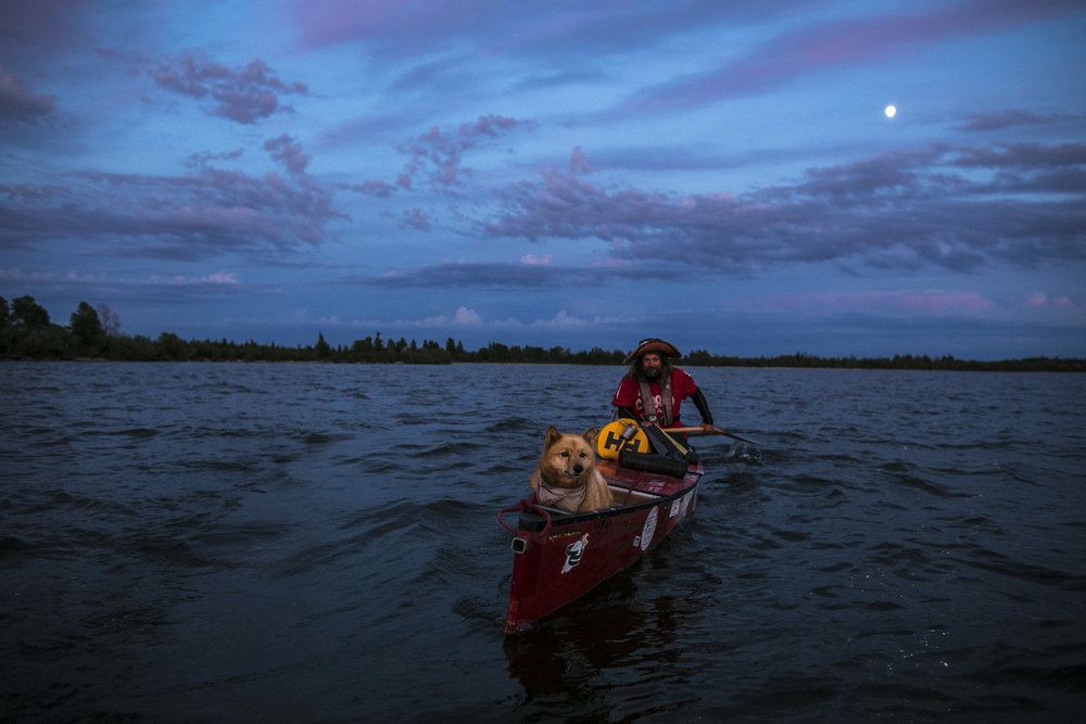 Paddling in high gust and big swell from the North West, Mike Ranta paddles towards the eastern tip of Long Point on Lake Winnipeg, Manitoba. 20170706.  Photo/David Jackson