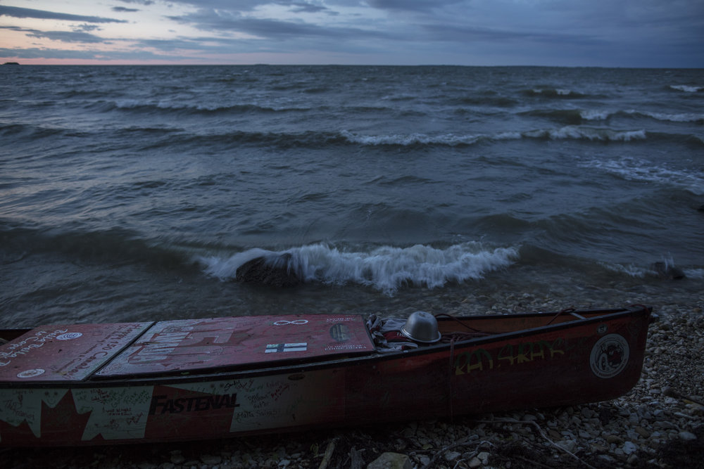 Mike Ranta meets Tery and Daniel of Dauphin River on Lake Winnipeg, Manitoba. Providing a key food resupply, Ranta travels to gypsumville to buy groceries. By evening, Ranta is 40km's from town under a thick, smoke like veil of fish flies and mosquitos. 20170712.  Photo/David Jackson