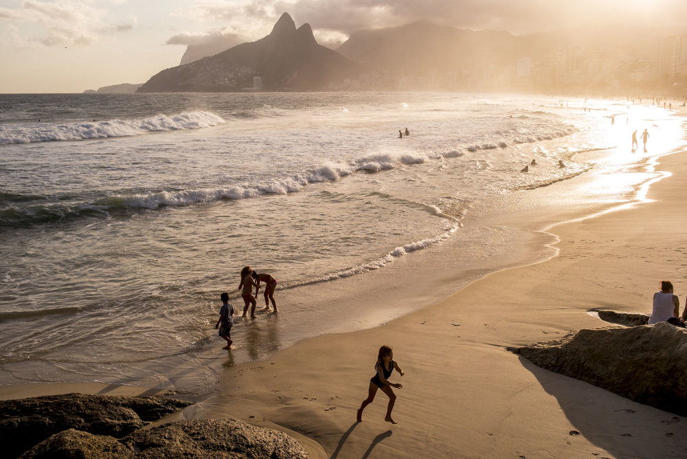 Sunset over Ipanema Beach, Rio De Janeiro. David Jackson/ COC