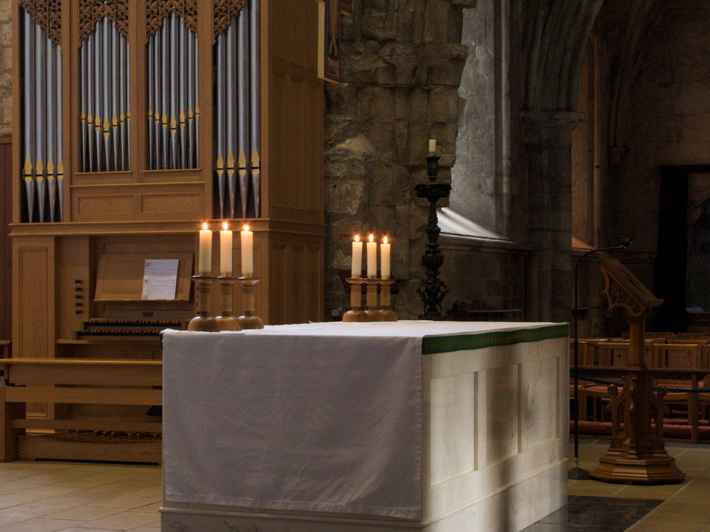 The altar and organ