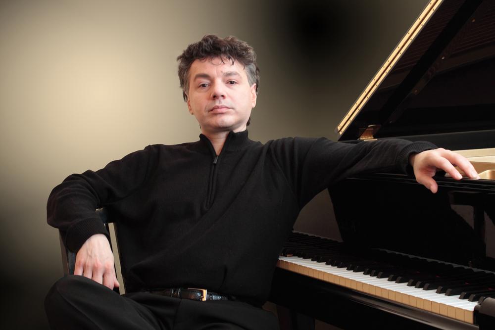 Pianist Raymond Spaskovski