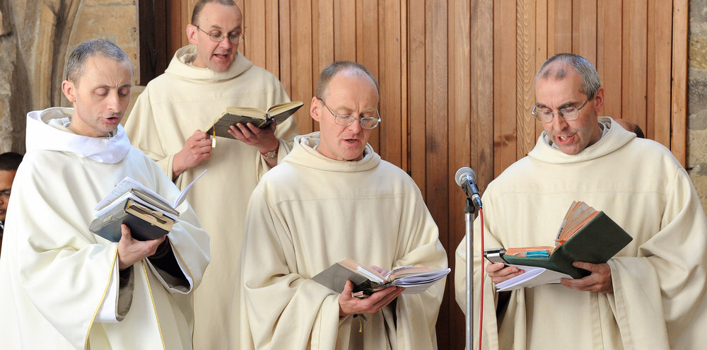 Monks of Pluscarden singing
