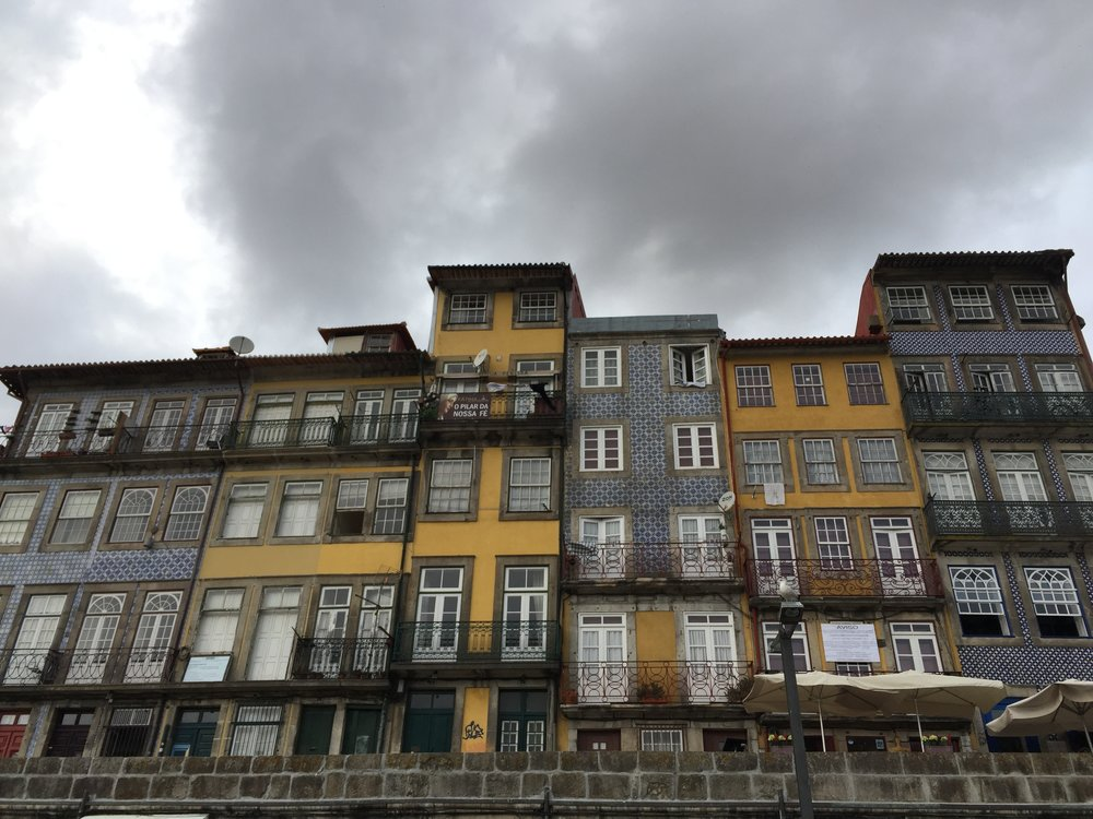 A week in Porto and I'm dreaming of brightly covered tiled homes.  How pretty are these apartments?  And I should mention, they are in a not so great part of town...look at what a little tile can do.