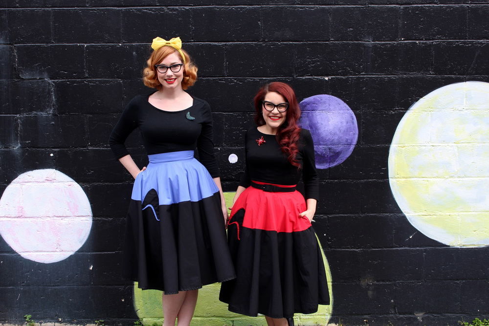 The lovely Amelia Jetson & Modern June Cleaver looking out of this world in their Galactic Ambassador skirts!  (Amelia is wearing Damnit Jim! and June Redshirts)