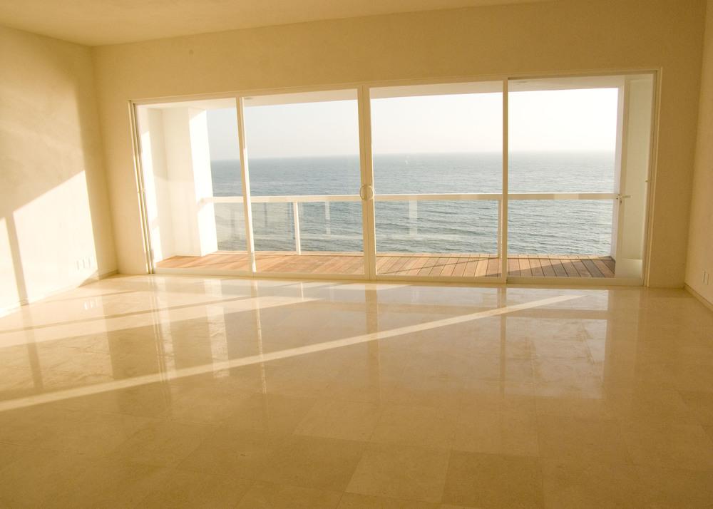 big-empty-roomthe-room-photo-page-everystockphoto-koccdsk.jpg