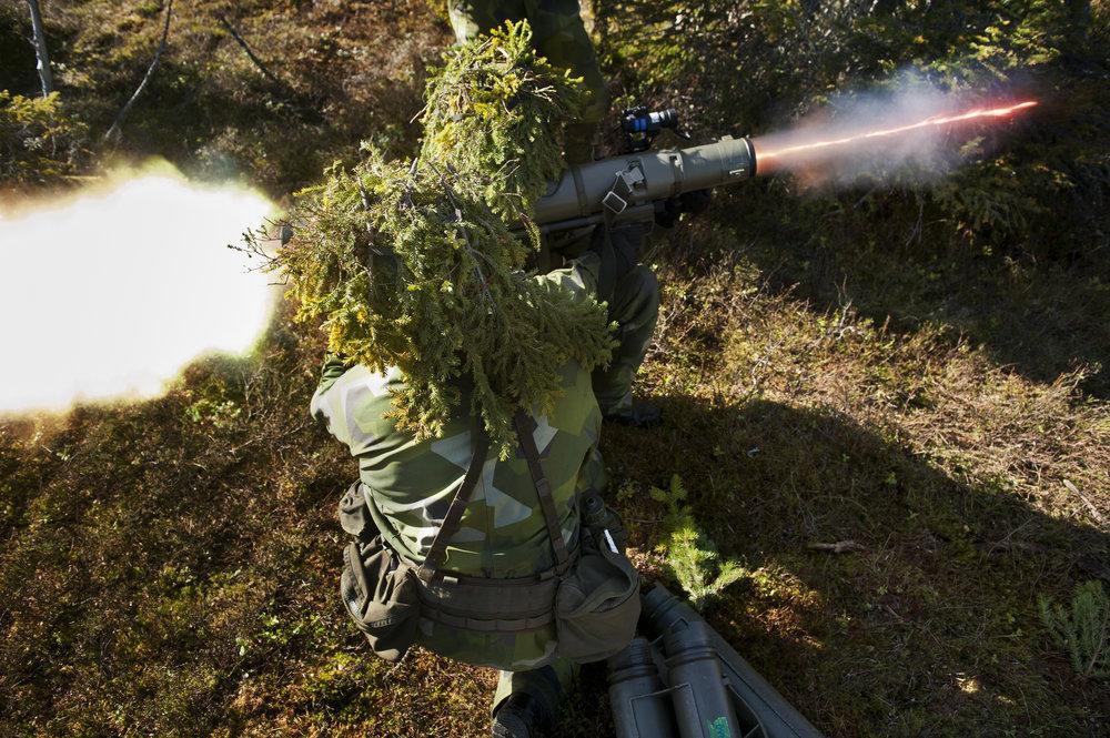 GRANATGEVÄRSSKYTT ->FIBERTEKNIKER - Foto: Jimmy Croona/Combat Camera/Försvarsmakten