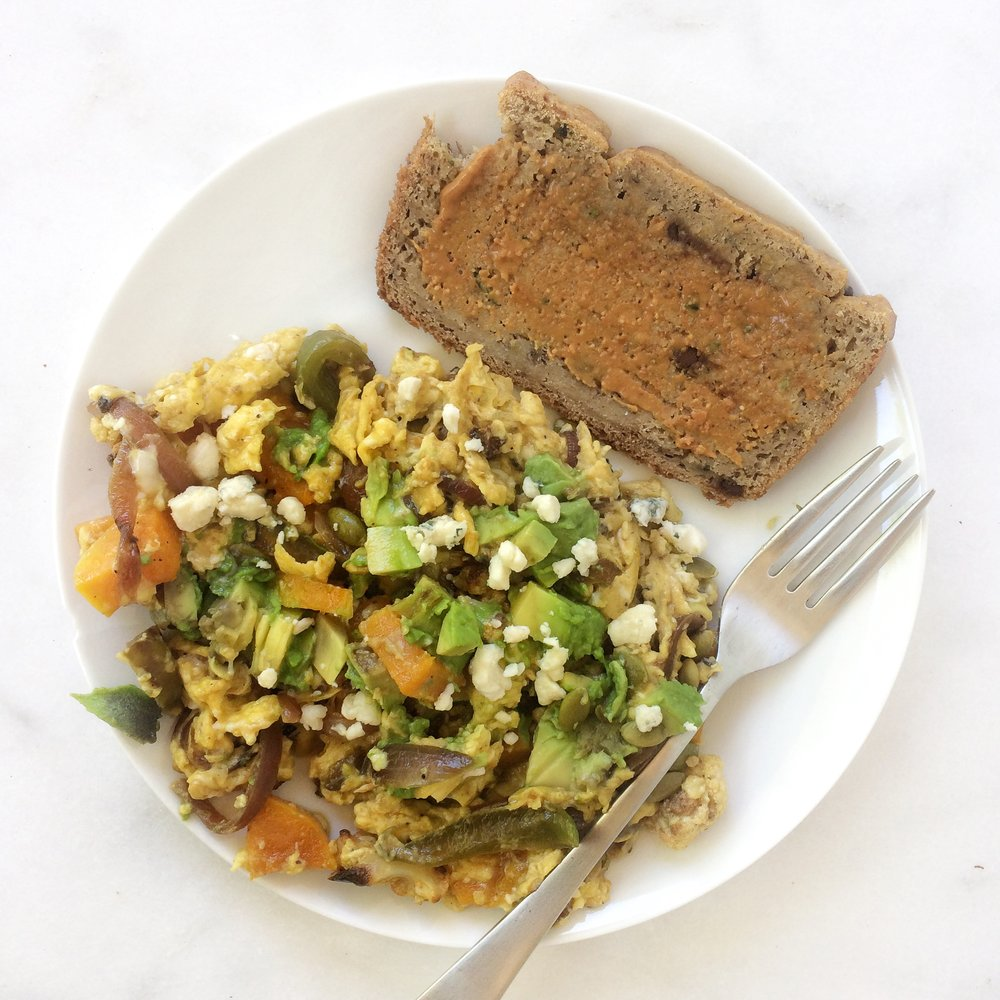 A day in the life- scrambled eggs + zucchini banana bread