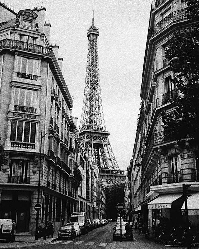 These streets. . . . . . . #paris #fujifilmxt1