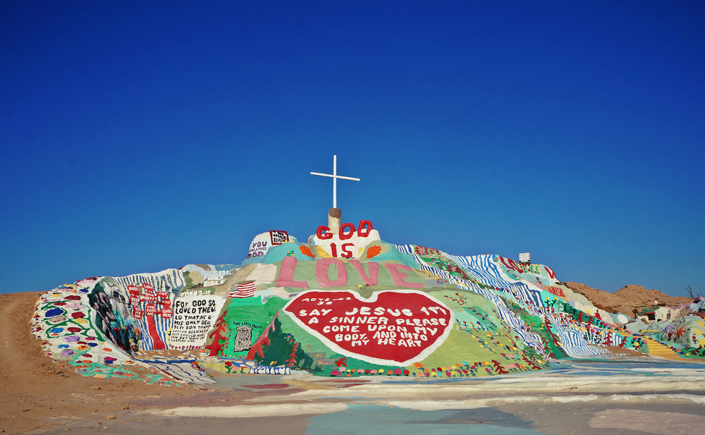 Salvation Mountain is about three storeys high and 100 feet wide, it is absolutely beautiful, vibrant and impressive.