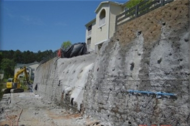 Soil Nail Retaining Wall with Segmental Block Facing