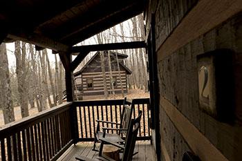 Cabin2PorchR.jpg