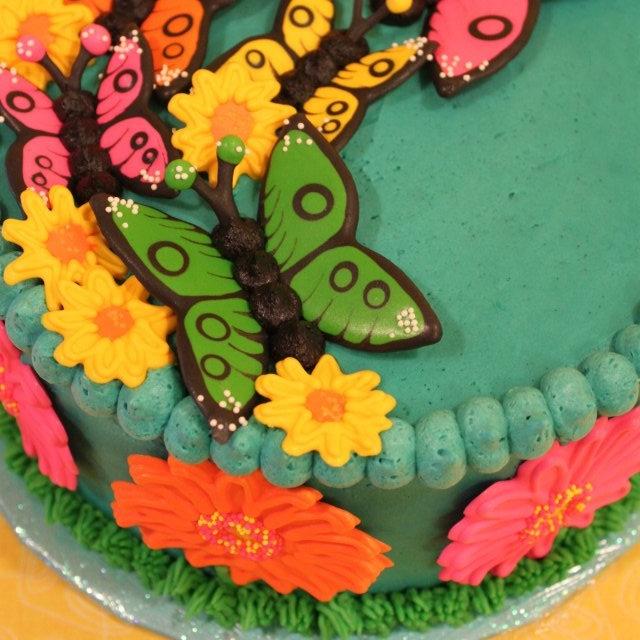 Butterflies & Daisies Cake.jpg