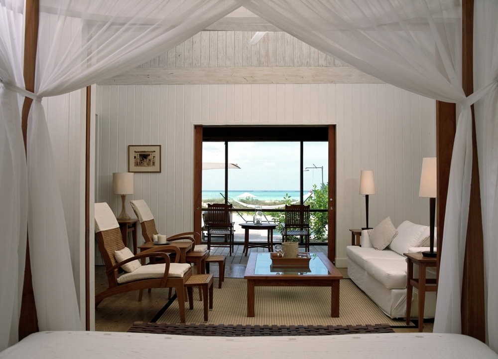 Hi_055026_44081069_One_Bed_Beach_House_Living_Room_with_view.jpg