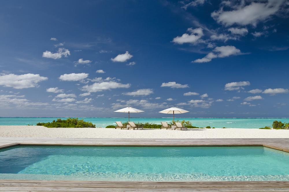 Hi_055026_52159519_Two_Bedroom_Beach_House_Pool.jpg