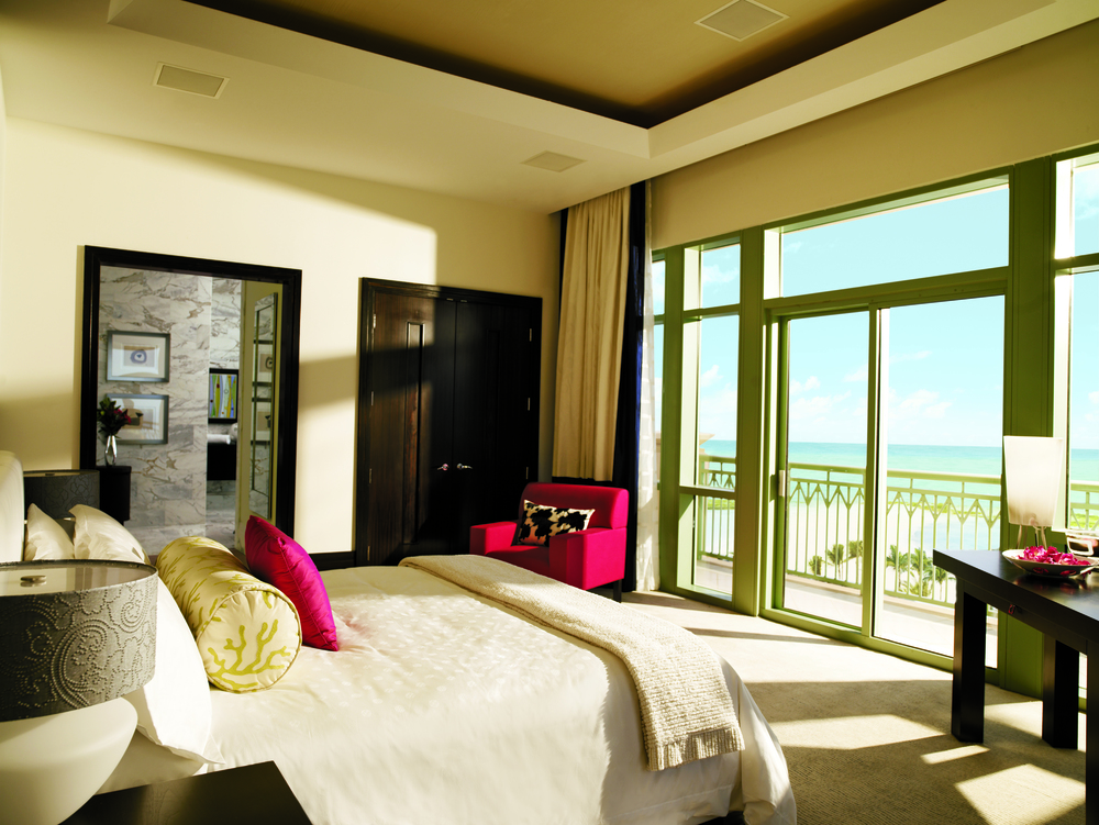 Penthouse_Suite_Bedroom_1237_standard.jpg