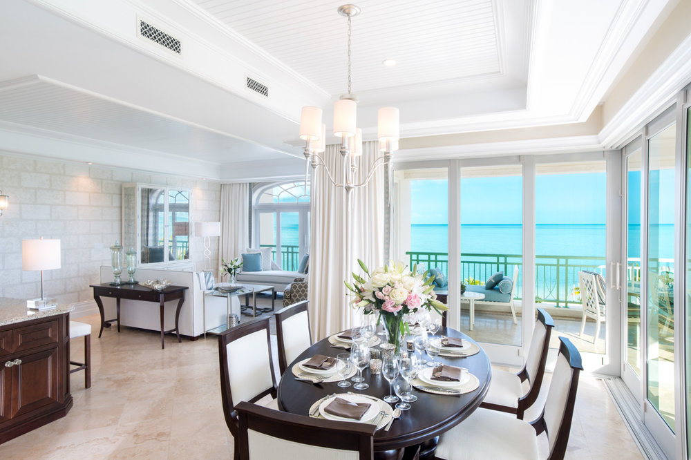 9 SC Deluxe ocean front Dinning and Living room.jpg