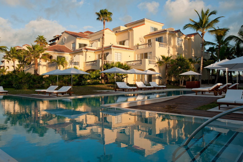 100. Hotel Pool - hotel.jpg