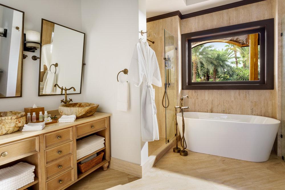 20151026_Zemi_bldg2_Double_Bathroom.jpg