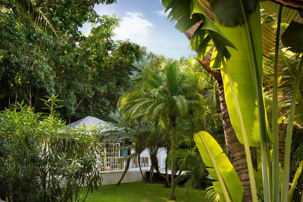 2-4-2-garden-bungalow-s-candito.jpg