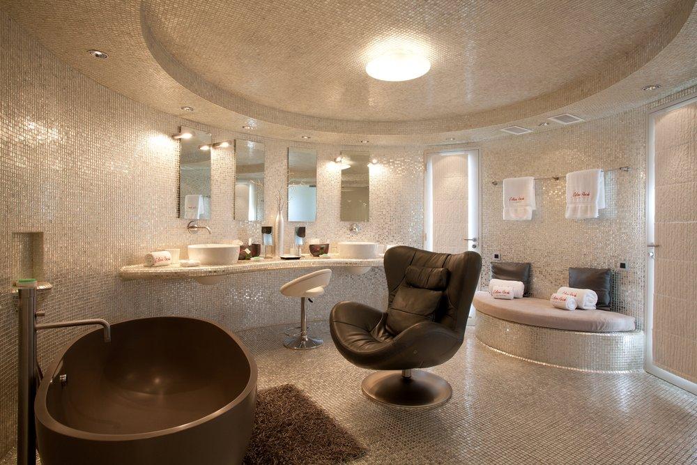 Bathroom_-_Villa_Rockstar_Ultraluxe_Beach__9120.jpg