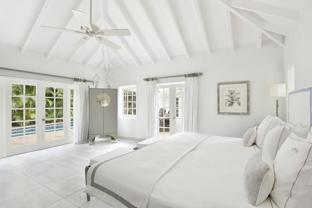 2.1_Cheval_Blanc_St-Barth_Isle_de_France_2-Bedroom_Garden_Suite_Bedroom_V._Mati_1307[1].jpg
