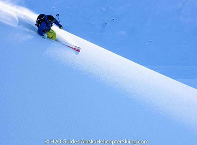 Pure freedom! #alaskaheliskiing #valdez #alaska #chugach #heliskiing @h2oguides #heliski #skiing @dean__cummings #deancummings #powderskiing #skier #freedom #ski #freeride