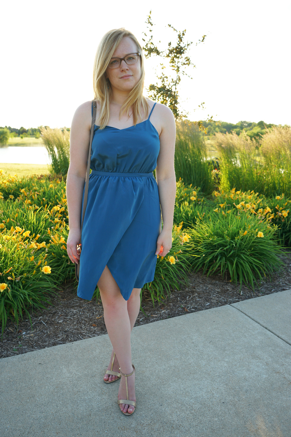 Maggie a la Mode - Teal madewell dress 2.JPG