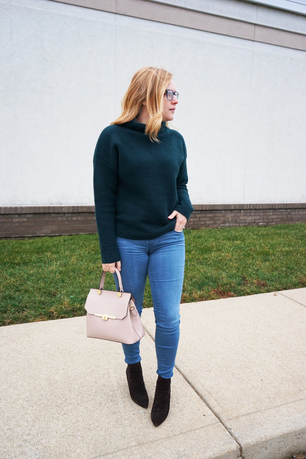 Maggie a la Mode - Madewell Southfield Mockneck sweater, J Brand 620 Super Skinny Jeans Impulse, M Gemi The Avanti Boot, Camelia Roma Leather Handbag Cameo