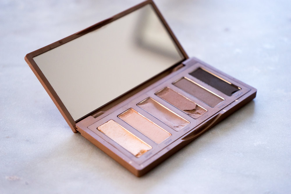 Maggie a la Mode - Urban Decay Naked2 Basics Palette