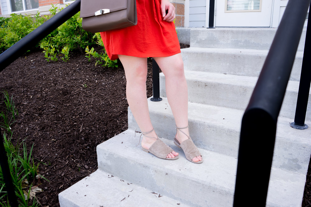 Maggie a la Mode - Vince Damon Sandal, Madewell Eyelet Daybreak Dress, Cuyana The Shoulder Bag