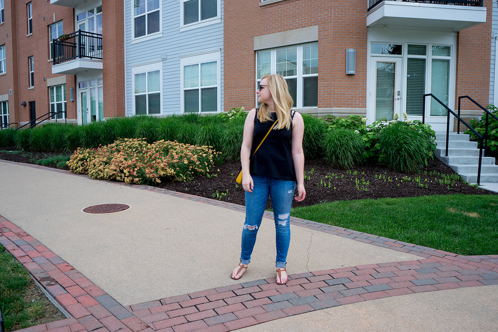 Maggie a la Mode - Ann Taylor LOFT Side Tie Top, Madewell High-Rise Skinny Jeans Drop Hem Edition, Sam Edelman Gigi Sandals, Coach Dinky crossbody purse