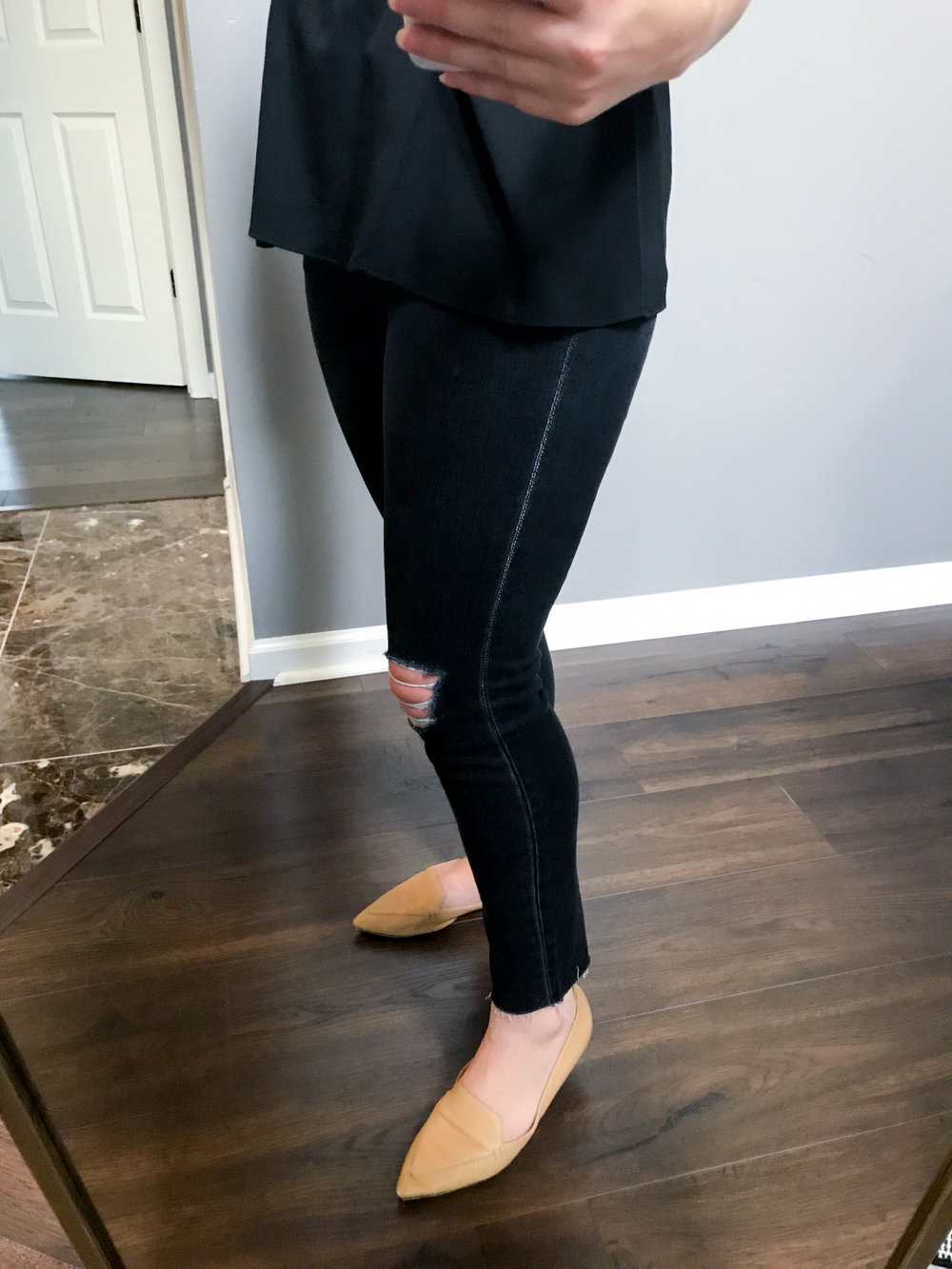 Maggie a la Mode - 10-Inch High Rise Ripped Skinny Jeans Black