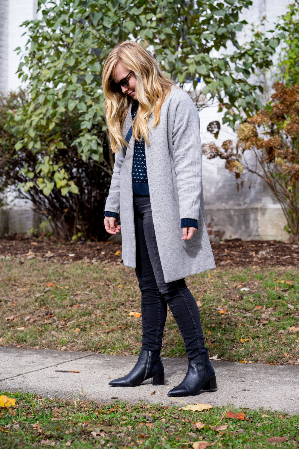 Maggie a la Mode - The Perfect Herringbone Coat Madewell Stanza Coat Everlane Boss Boot-10.jpg