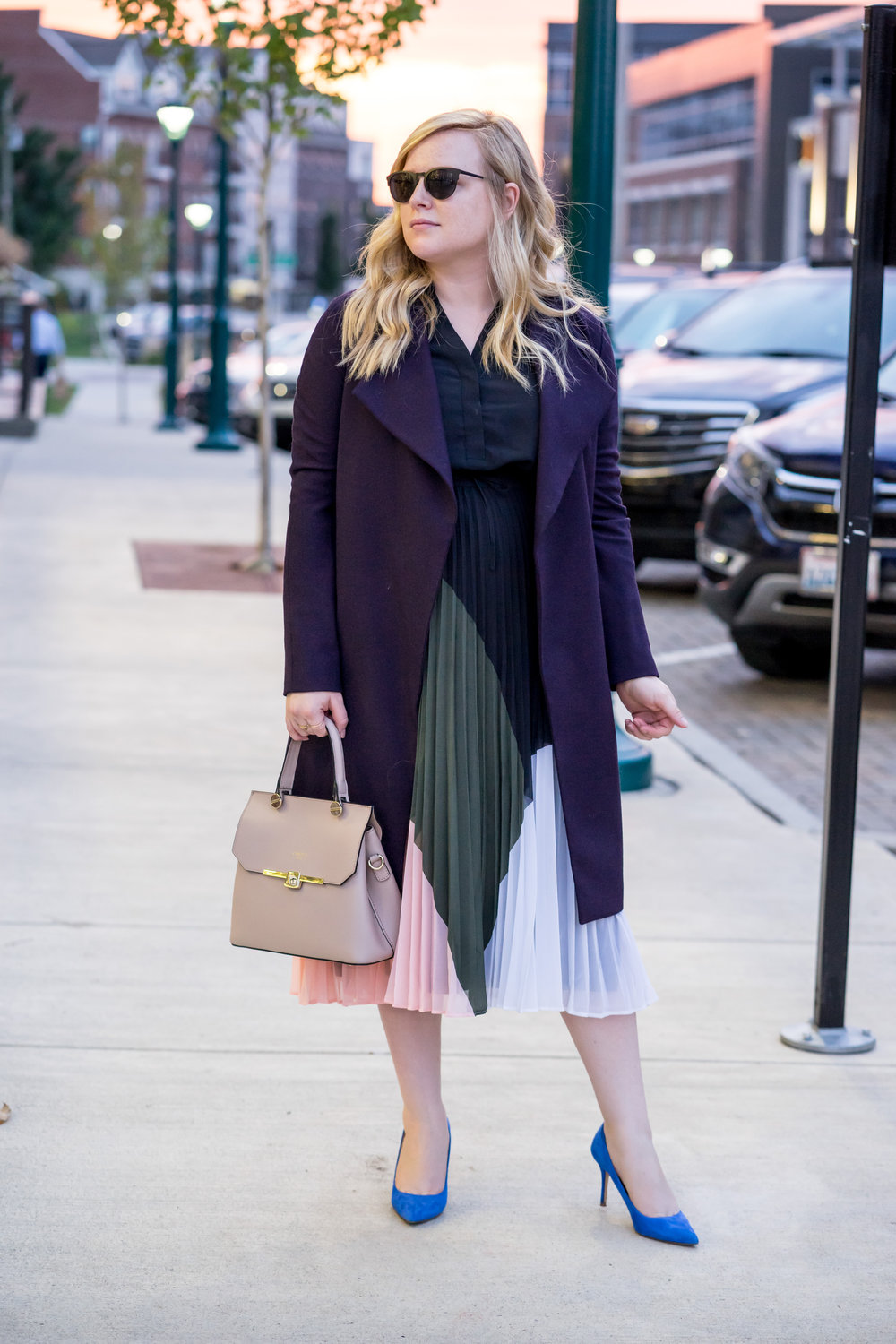Maggie a la Mode - How to dress like Meghan Markle - 5 Key Elements to Dressing Like a Modern-Day Princess, Club Monaco Shoanah Dress, Elie Tahari Dez Coat, Camelia Roma Leather handbag Cameo, J Crew Elsie Pumps, Warby Parker Aldridge Sunglasses