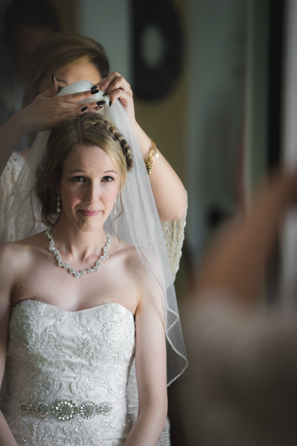 Greenville Wedding | Morningside Baptist Church Spartanburg SC Bride putting on viel