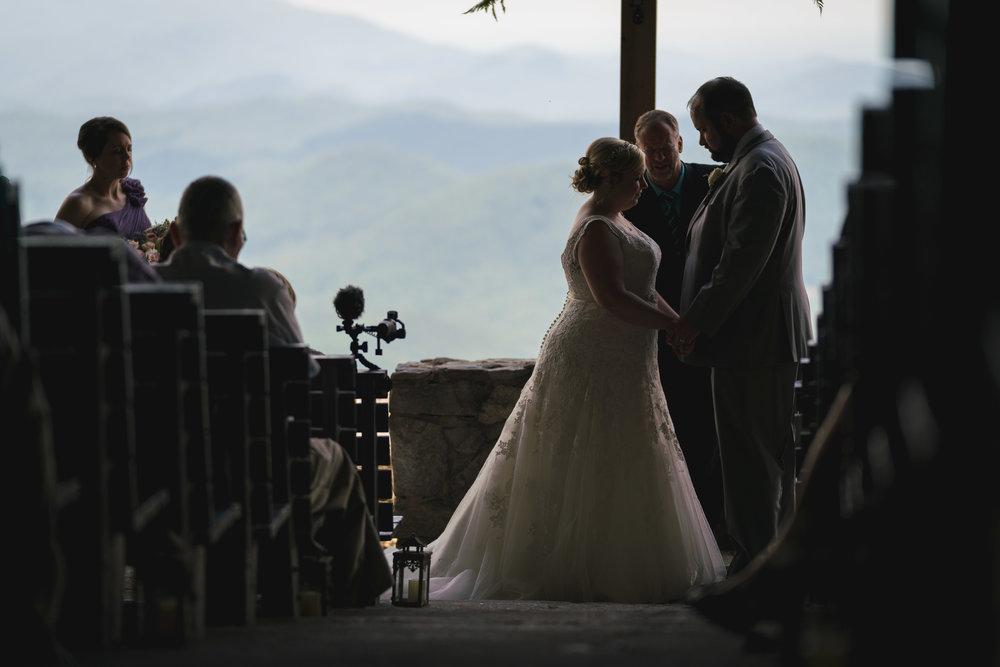 Couple praying | Pretty Place, SC