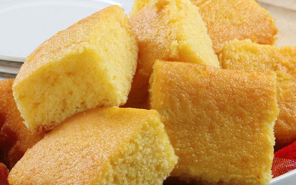 Grandmas-Sweet-Buttermilk-Cornbread-4.jpg