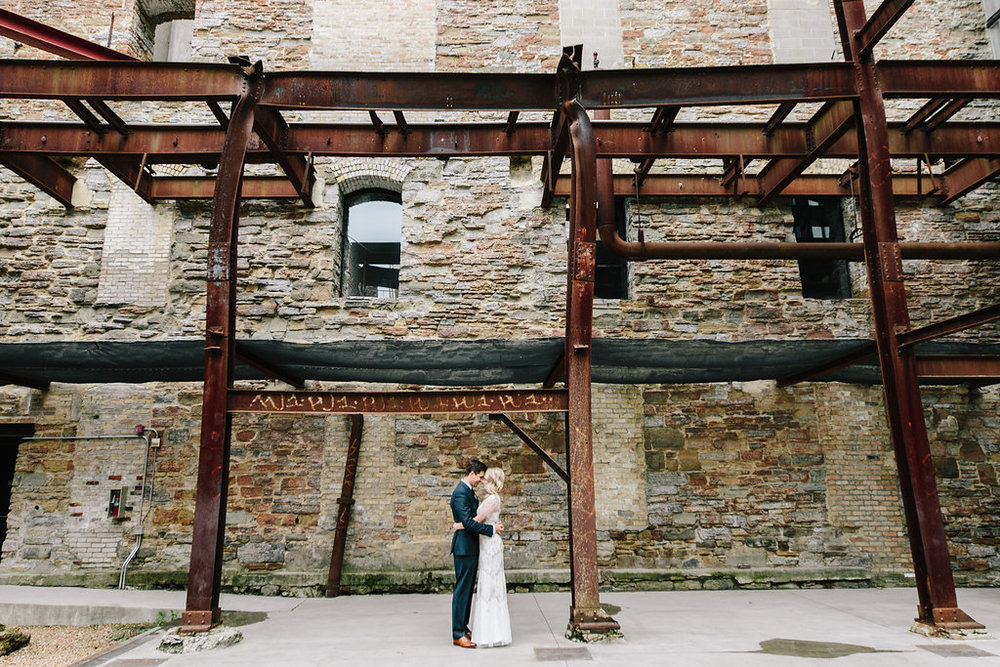 Mill City Museum, Minneapolis, MN. White, Navy Blue and Classic wedding theme. ClassicWedding Décor. Wedding Planner Jessica Wonders Events