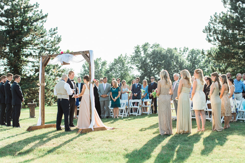 outdoor ceremony at the little turtle club in columbus ohio