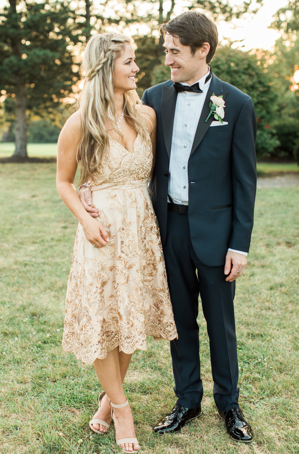 bridesmaid and her boyfriend at little turtle club wedding in columbus ohio