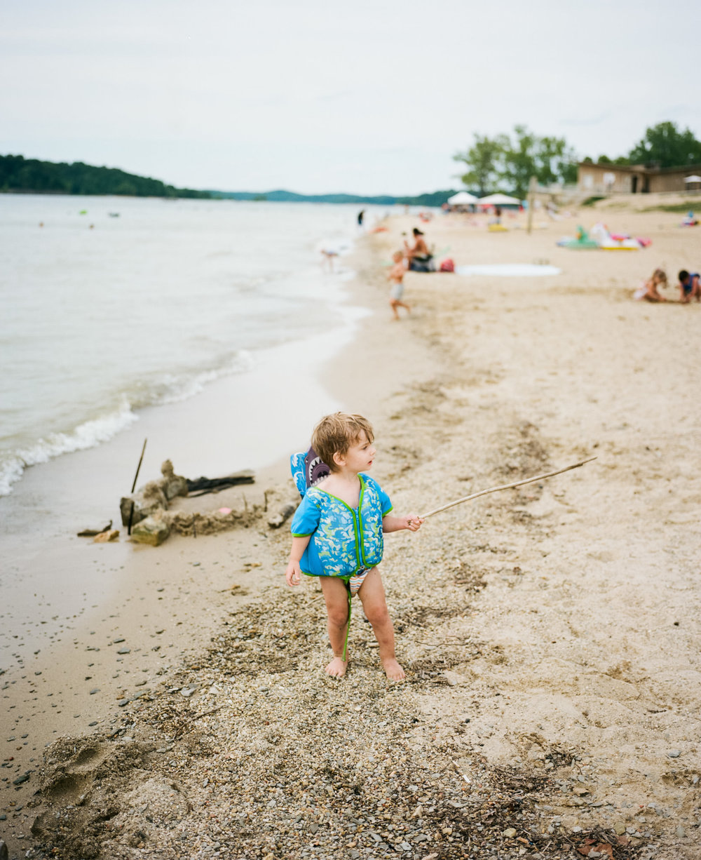 Image of a boy on the beach of Barren River Lake taken with the Mamiya 7 and 80mm f/4 lens
