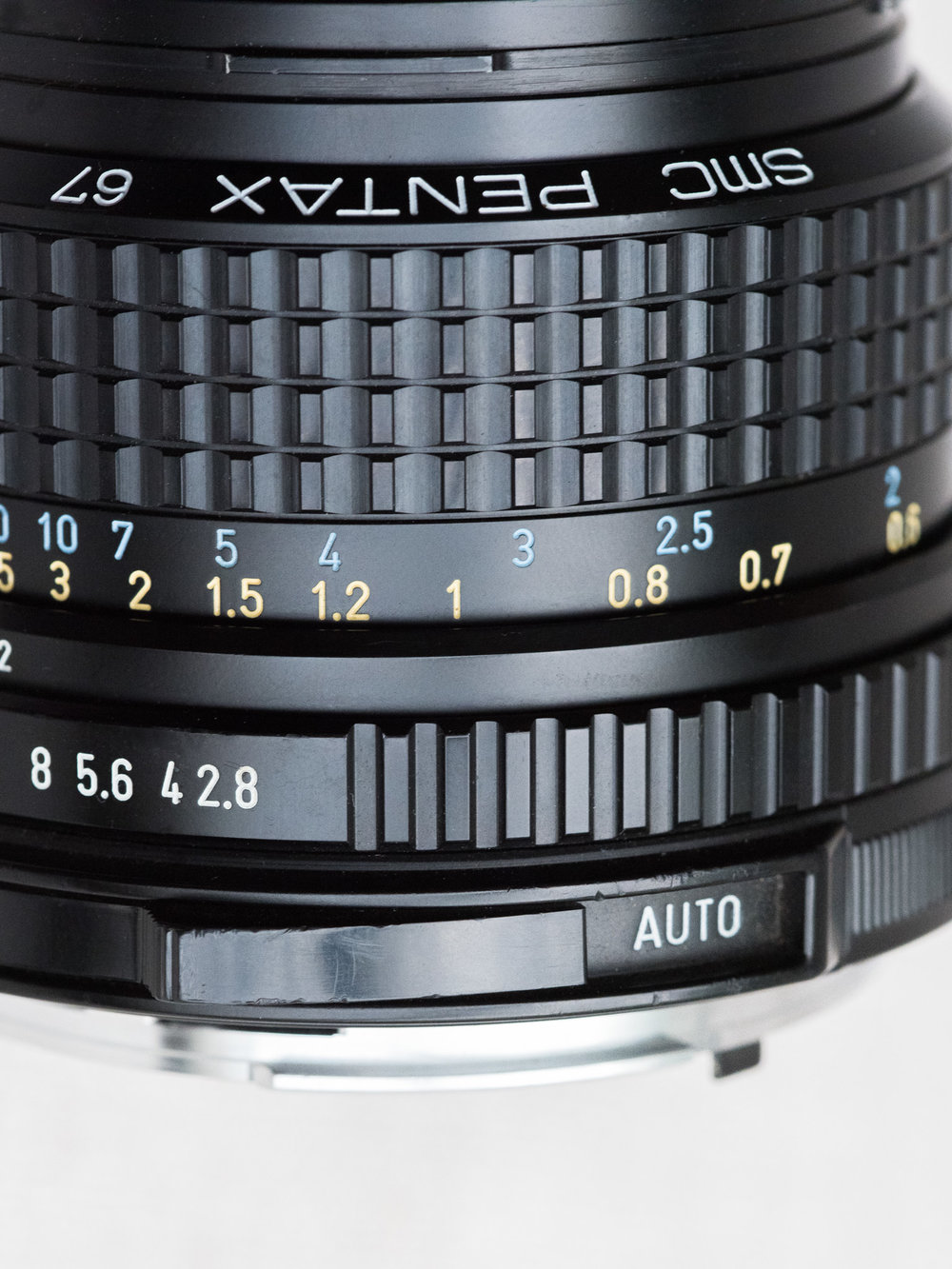 Closeup image of Pentax SMC 75mm f/2.8 AL Lens